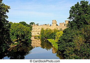 Warwick castle. - View of Warwick castle and the River Avon,...