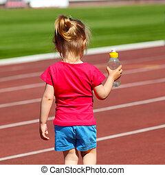 poco, estadio, agua, lleva, botella, bebé, niña