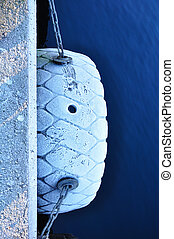 Boat fender with snow. - Boat fender with snow in a Bergen...