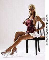 adelgaçar, bronzeado, modelo, branca, saia, sentando