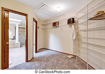 Spacious walk-in closet inteior - Spacious walk-in closet...