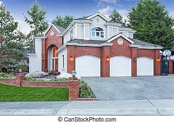 luxo, casa, exterior, três, car, garagem, entrada carro