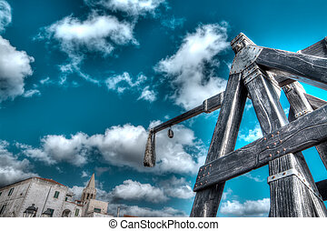 hdr catapult - antique catapult by Alghero promenade,...