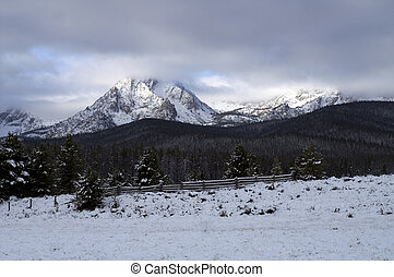 Sawtooth Mountain Range - Cloud covered Sawtooth Mountains...
