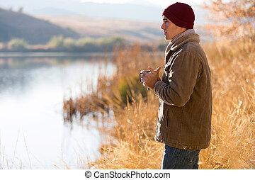 posición, pensativo, lago, hombre