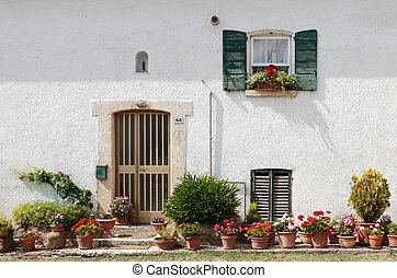 Old typical Tuscan farmhouse in Italy