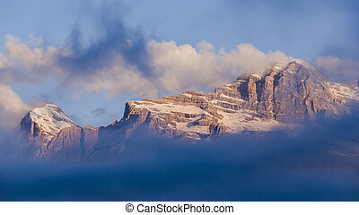 Alpes mountain Dolomites Italy