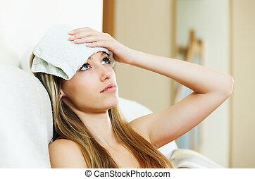 triste, menina, sofrimento, ressaca, dor de cabeça