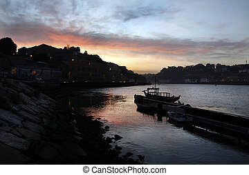Old historical area of Vila Nova de Gaia - Night view of the...