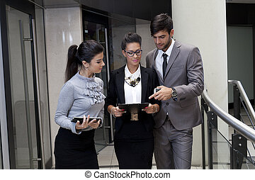 Business people - Professiona young business people neer...