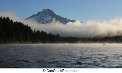 Trillium Lake with Mount Hood 1080p - Fog and Clouds Over...