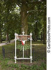 bevrijdingsboom in utrecht bij lepelenburg en zonnenburg in...