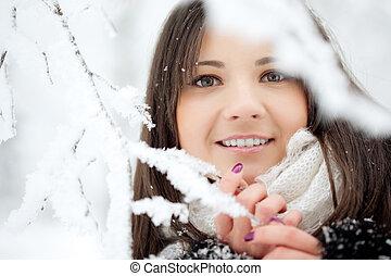 Beauty winter woman - Beauty woman in winter park