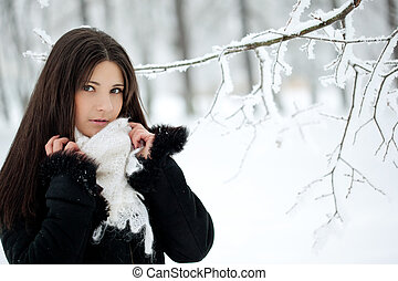 Beauty winter woman - Beauty woman in winter park