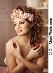 Vintage woman with flowers - Luxury vintage woman with...