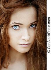 Beautiful young woman outdoors - Beautiful young luxury...