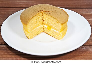 Chiffon cake with orange jam