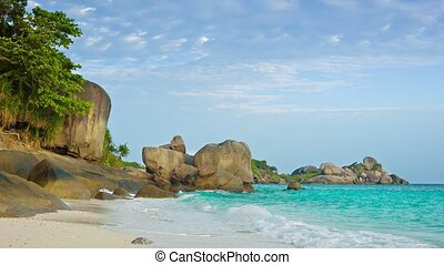 Picturesque tropical ocean coast Thailand, Similan - Video...