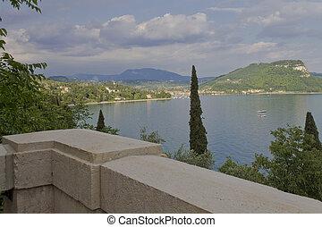 Garda - The town Garda on the lake