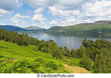Derwent Water to Castlerigg Fell - View across Derwent Water...