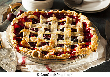Delicious Homemade Cherry Pie with a Flaky Crust