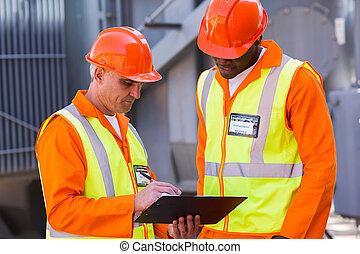 técnico, trabajadores, trabajando, potencia, planta