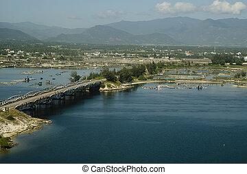 橋, 航空写真, 上に, 湾,  ranh, カム, ベトナム, 光景