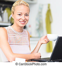 Business woman working from home. - Happy business woman...
