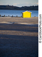 strandhaus gelb - beach
