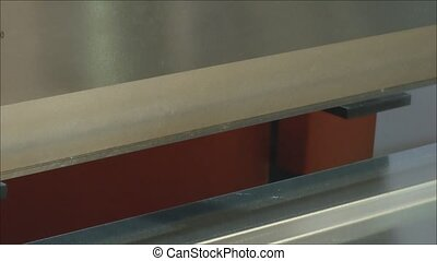 Bending of the sheet material on the machine