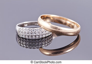 Wedding rings : gold and silver