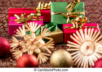 Five Xmas Gifts with Ornaments - Five plain-colored...