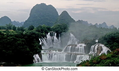 Detian Waterfall in the afternoon