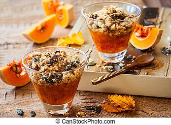 Pumpkin crumble - Sweet pumpkin crumble with pumpkin seeds...