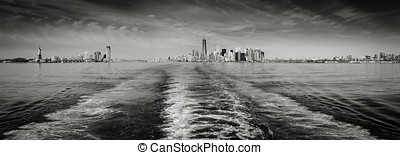 Black & White panoramic view New York skyline as seen from...