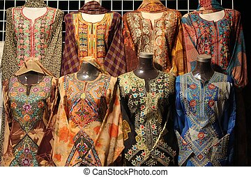 Omani Typical dress - Typical Omani women dresses in a shop...