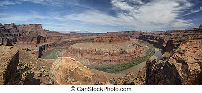 Gooseneck Overlook in Canyonlands N