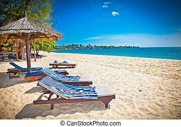 Beautiful tropical beach in Sihanoukville, Cambodia . -...