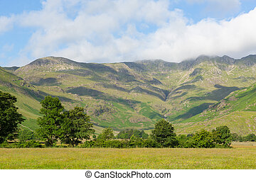 Langdale Valley mountains Lake - Langdale Valley Lake...