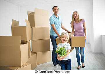 Moving - Young family with a child at home