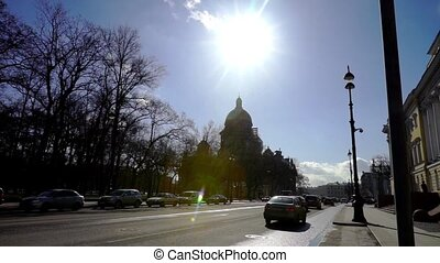 Day traffic near St. Isaac Cathedral, Saint Petersburg -...
