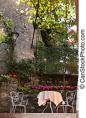 table and chairs in italian garden - table and chairs in...