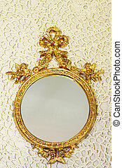 Mirror at lace - Small golden mirror with bow at lace