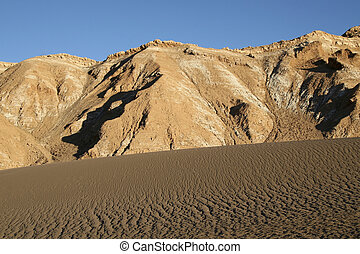 Sand dune in the Atacama desert in North Chile - Valle de la...
