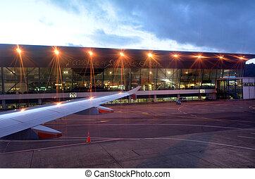 Wellington International Airport - New Zealand - WELLINGTON...