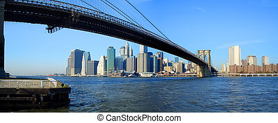 Brooklyn bridge and lower Manhattan panoramic view, New York...