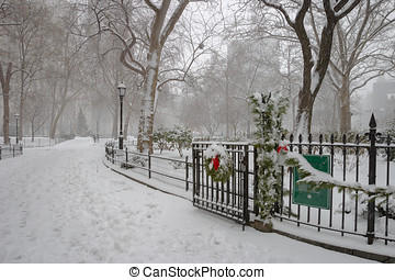 Winter scene in Madison Square Park, Manhattan, NYC -...