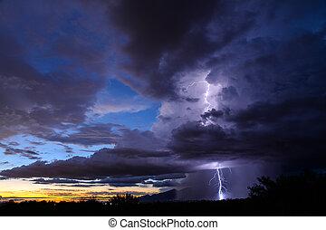 Tucson Lightning - Lightning over Tucson, AZ