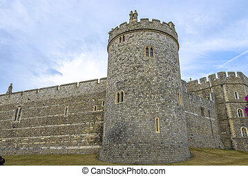 Medieval Windsor castle in Berkshire, England. - Windsor...