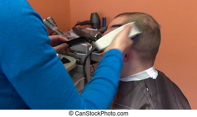man head shave hair - barber woman shave client man head...